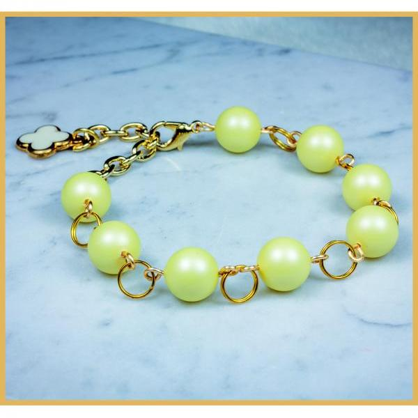 Chunky Matte Yellow Simple Style Bracelet with Clover Charm